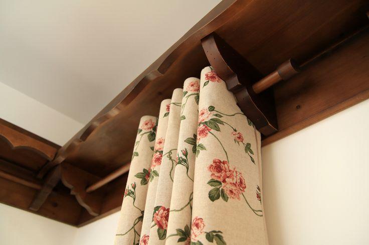 Conac | Boutique Hotel | Conacul Bratescu | Mansion | Bran, Brasov , Romania | Room | Rustic | Charming Vista 7 | Camera rustica | Interior | Design | Mobilier pictat | Traditie