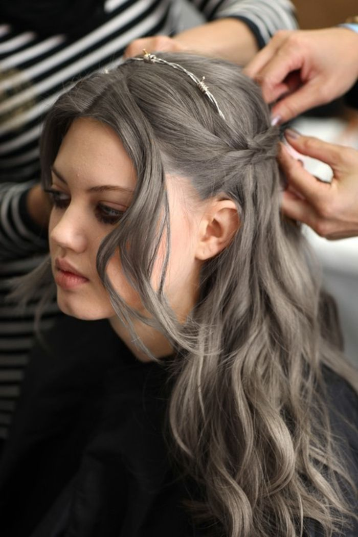 Cheveux gris coloration
