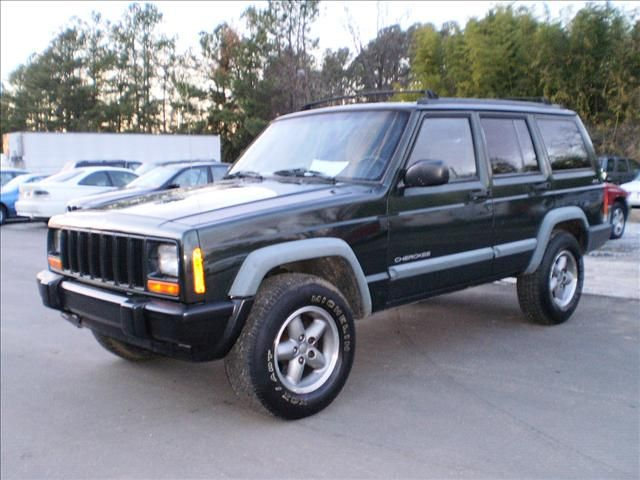 My First Suv Jeep Cherokee But In White Cars I Ve Owned