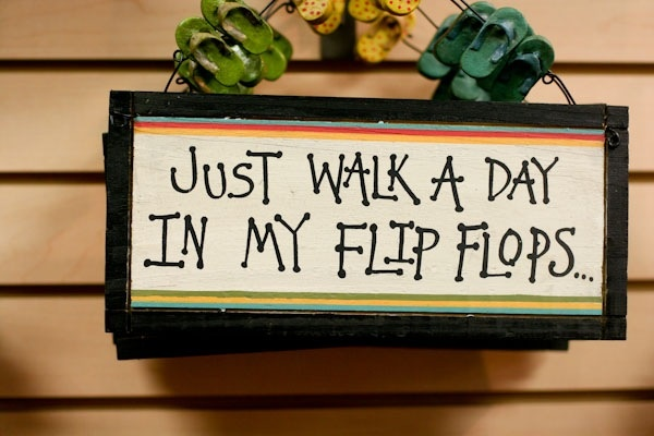 .: Words Quotes Signs, Flipflops 3, Quotes 3, Walks, Flipflop 3, Flip Flops Quotes, Beaches Quotes, Summertime