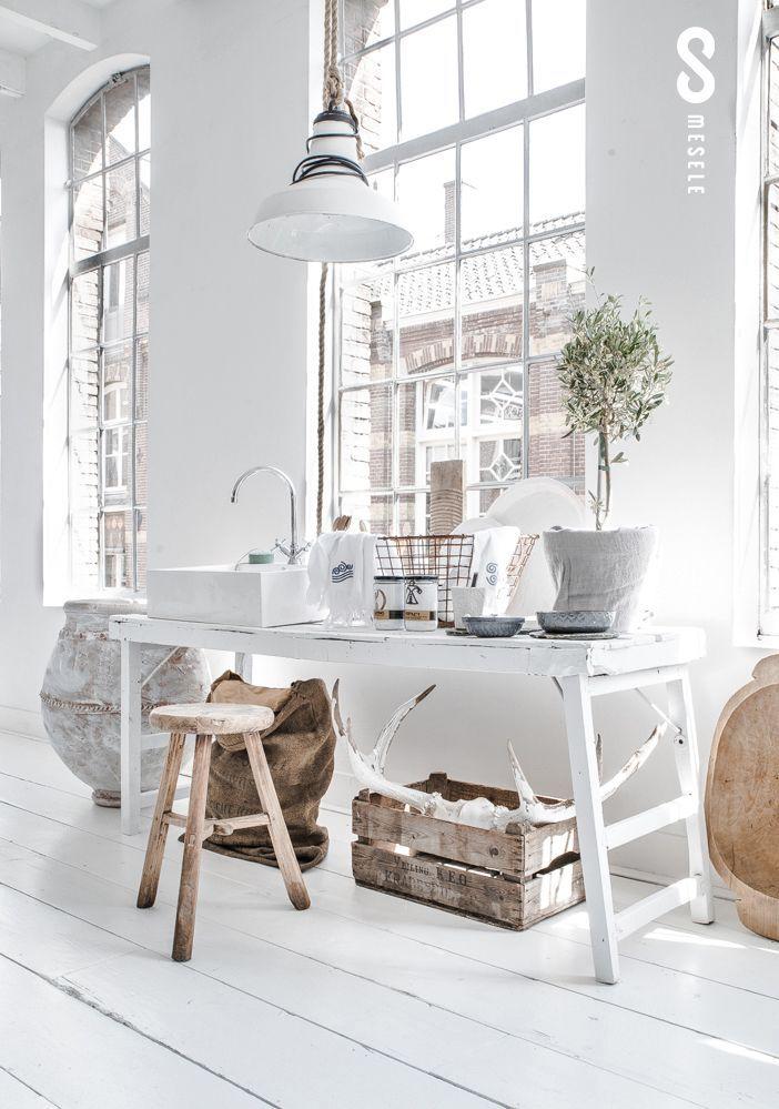 VENTANALES, MOBILIRIO, LAMPARA white floor || dining room