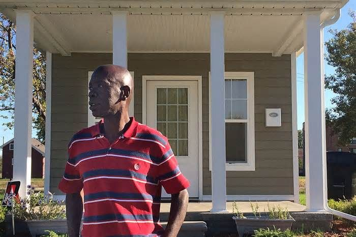 Rent-then-own tiny house village seeks to reinvent Detroit's low-income housing Residents, who include formerly homeless people and those who were in foster care, pay low rent on houses that range from 250 to 400 square feet. After paying rent for seven years, they will be given the deeds to their homes. October 26, 2017 Detroit—In ...