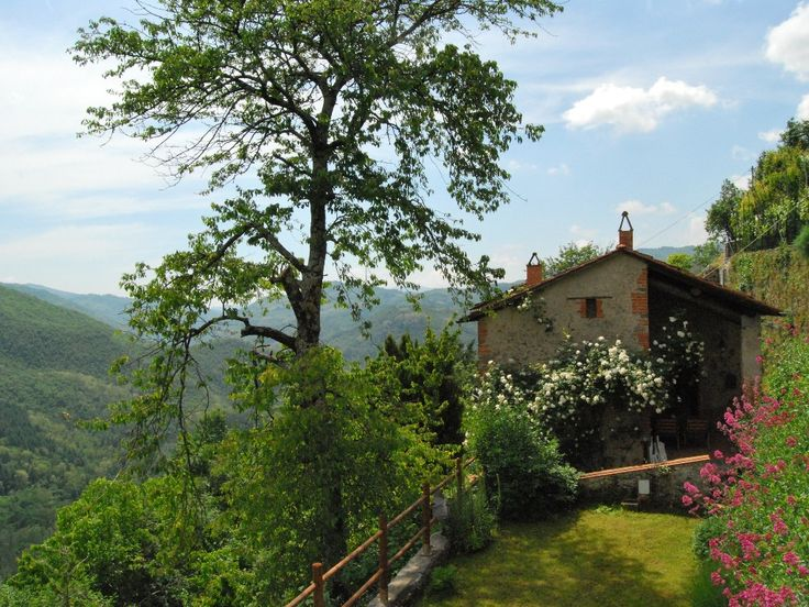 Bagni di Lucca house rental - House and views