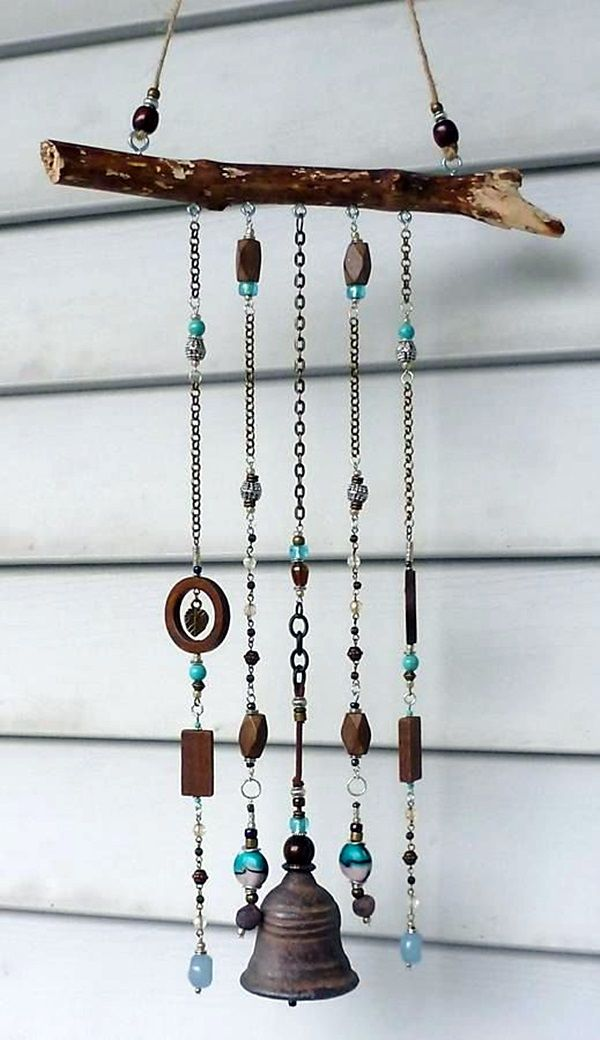 40 diy wind chime ideas to try this summer diy wind for Wind chime craft projects