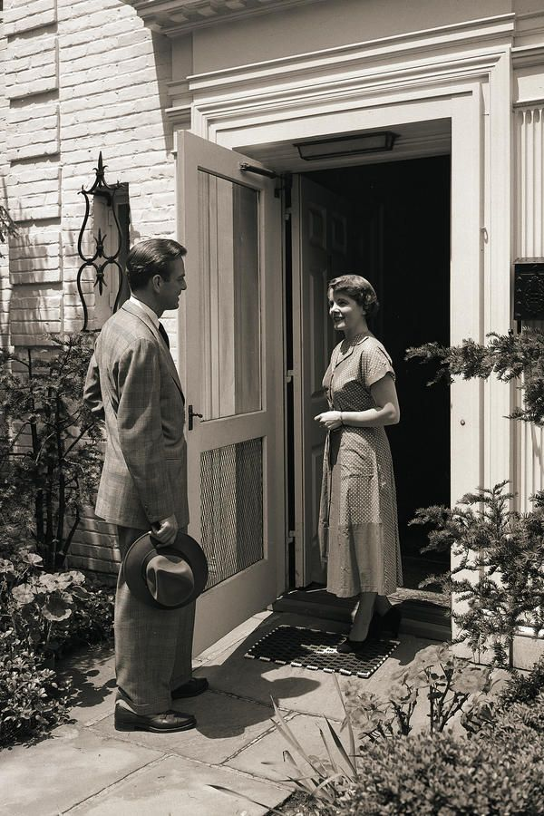 Hospitality (Open Door Policy) - True Southern hospitality means an open-door policy to family, neighbours, co-workers, friends, friends of friends, and even friendly strangers. While times have changed enough that you do need to trust your instincts, generally, when someone shows up on your porch, greet them with a smile and maybe a glass of sweet tea.