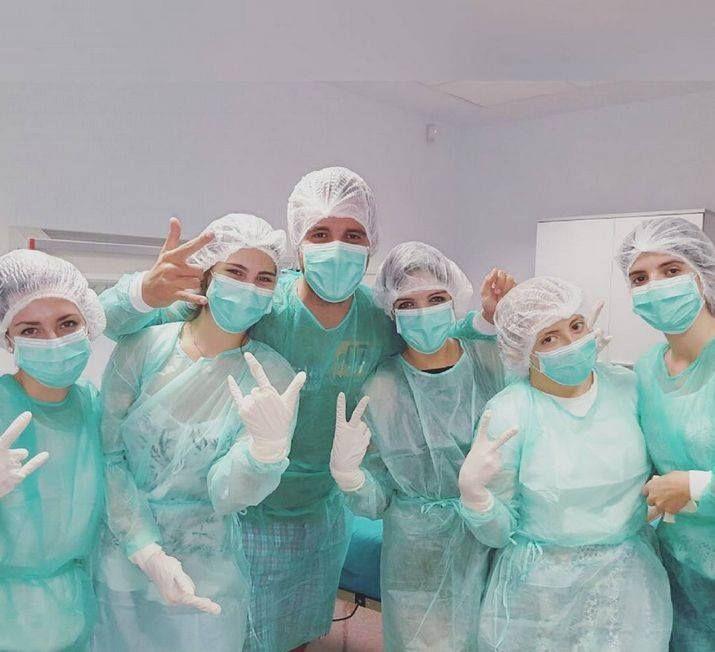 Alumnos de enfermería. Grado en enfermería: http://cvnet.cpd.ua.es/webcvnet/planestudio/planestudiond.aspx?plan=C351