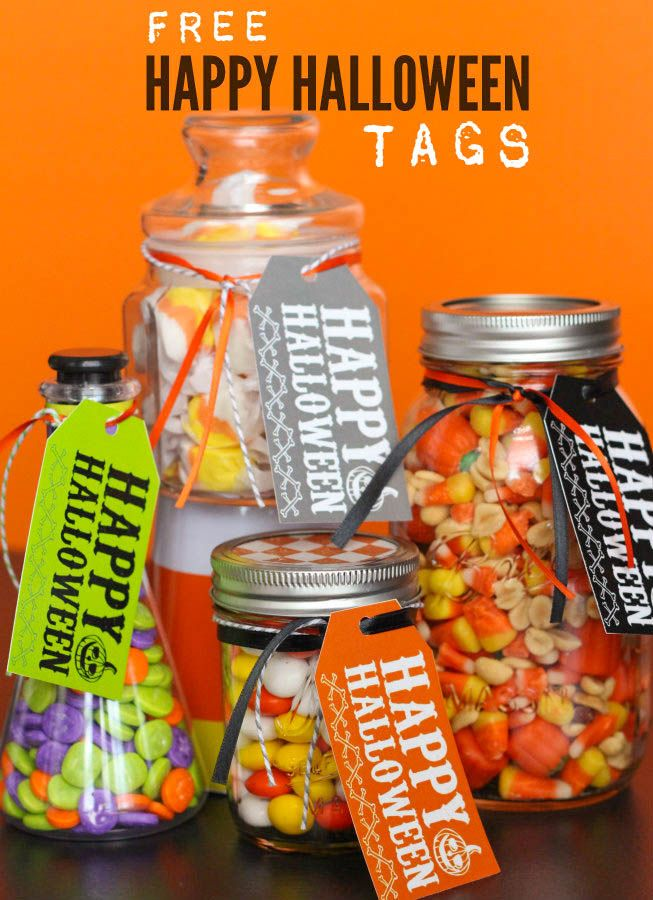 Free Happy Halloween Tags - just add to any treat for a cute and easy Halloween gift. #halloween #printables
