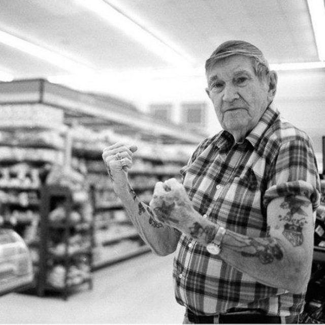 Non Tatuarti Fra 40 Anni Farai Schifo 20 Foto Di Anziani Che Ti Dimostreranno Il…