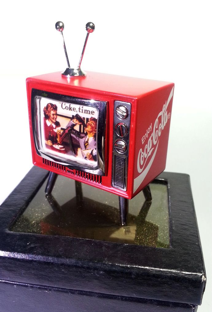 Coca Cola mini TV Shaped Desk Clock - Tested Works - New In Box by mycoffeeboy