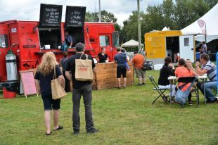 Redpath Sugar's custom made HeyJute totes were used at La Tournée des Chefs in Lac St-Jean in Quebec!  Check out this link to read more about the event.