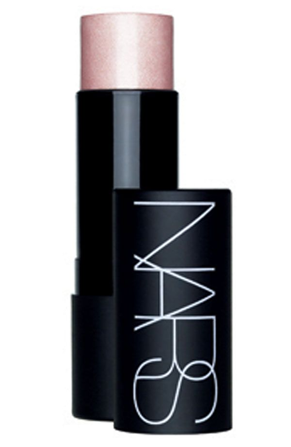 Apply the NARS multi-purpose stick on eyes, cheeks lips and body with fingers. The warmth from skin allows for perfect blending.