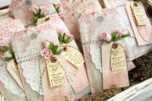 cute gift wrap via Donna Downey