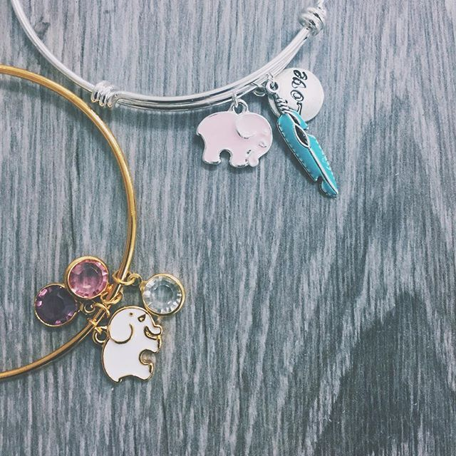 comment if you want an #IvoryElla bracelet!! ✨✌️