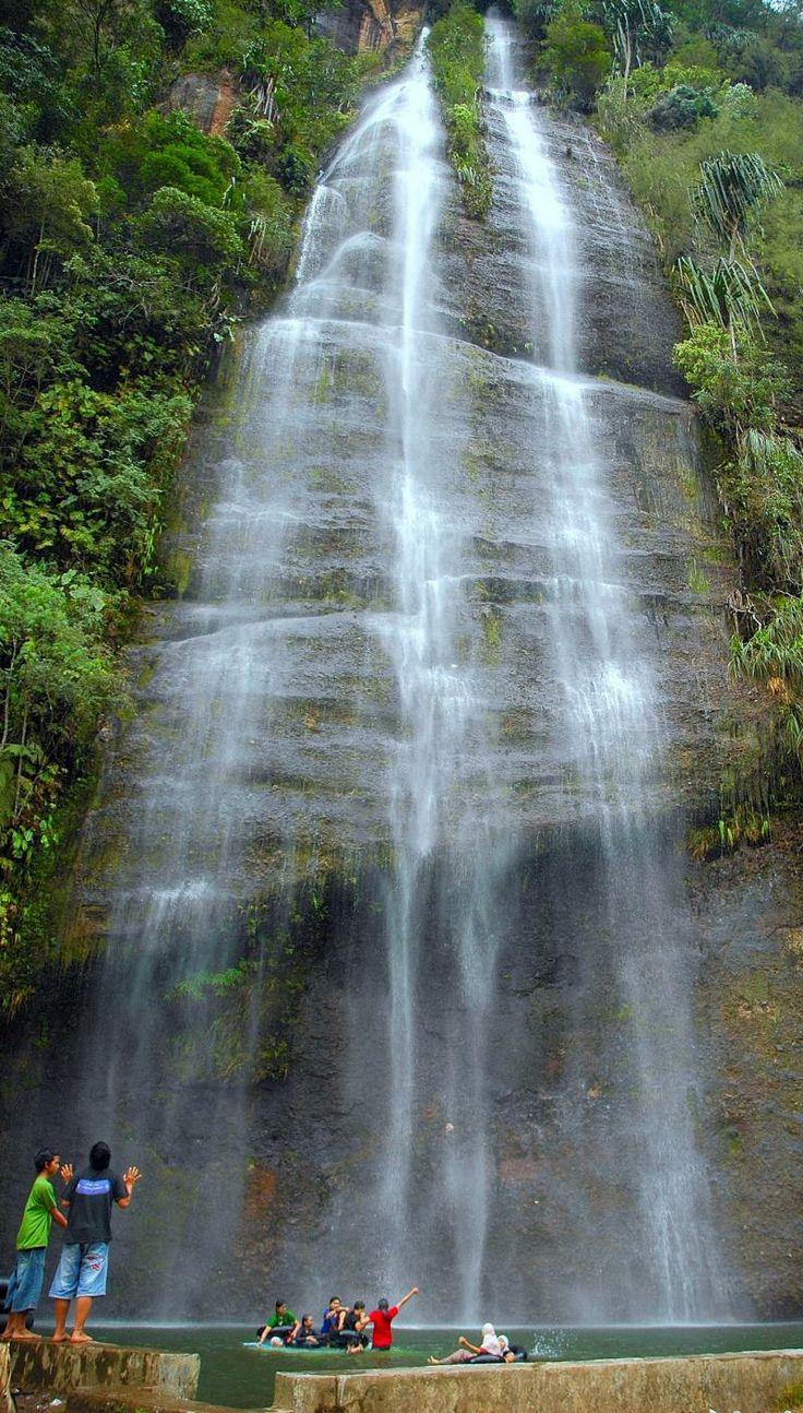 Lembah Harau waterfall - Payakumbuh