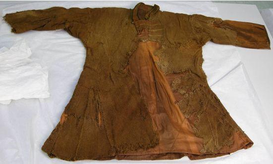 kjoldeham shirt bog find from end of 11th century now situated in Skjoldeham Tromso Museum, The source - Nye tanker om Skjoldehamnfunnet, Dan Halvard Løvlid, Masteroppgave i arkeologi, Institutt for AHKR, Universitetet i Bergen, Høsten 2009