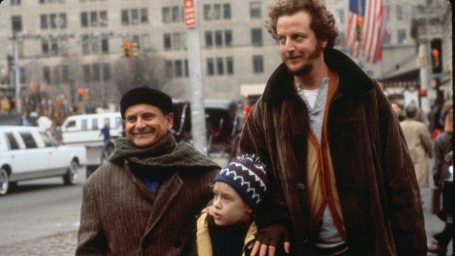 Takto vyzerl neschopný zlodej Daniel Stern alias  Marv z komédie Sám doma (vpravo)