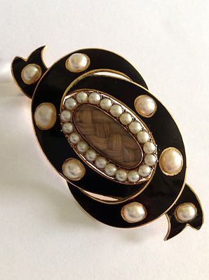 Victorian 15ct Gold, Black Enamel and Seed Pearl Mourning Brooch