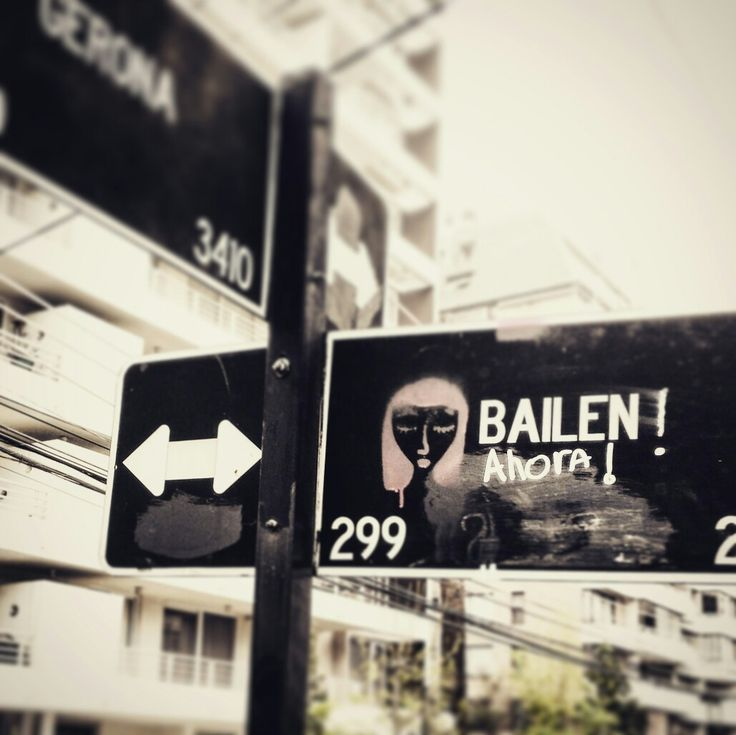 Bailen ahora! Gerona con Bailen. Ñuñoa #popart #calle #street  #señaletica #señaletic #graffiti  By @guillezerda