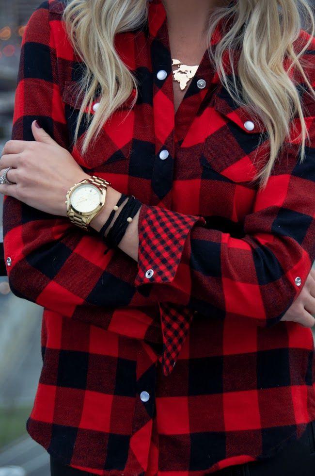 Otro gran efecto: cuadrillé y un buen reloj dorado. ¡Búscalos en la tienda Suntime de Mall Sport!
