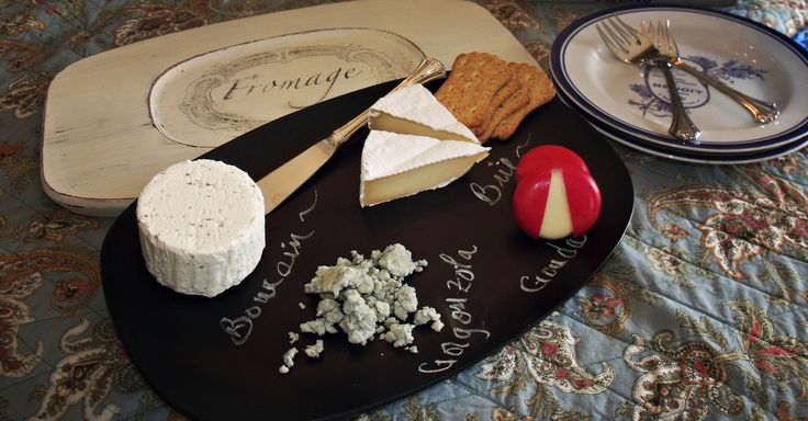 cheese tray using chalkboard paint and wax paper transfers