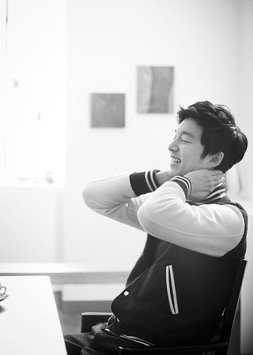 gong yoo He is way too cute/handsome/pretty