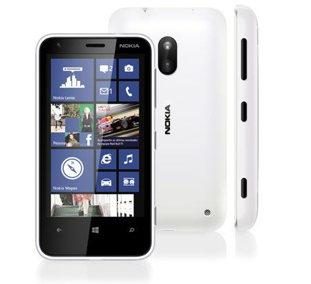 Celular Desbloqueado Nokia Lumia 620 com Windows Phone 8, Câmera 5MP, Touch Screen, 3G, Wi-Fi, Bluetooth, GPS, MP3 e Fone de ouvido
