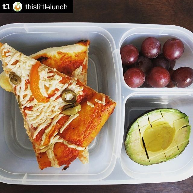 """#lunch for Little fingers #Repost @thislittlelunch ・・・ Sometimes I practice """"lunch time"""" with Little Munch so I can see which containers she can open. The #easylunchboxes are seriously easy and perfect for dry food.  Vegan pizza, grapes, and avocado.  #vegan #plantbased #vegetarian #food #instafood #yum #healthy #lunch #littlelunch #lunchbox #bento #bentobox #lunchideas #litterlesslunch #daiya #pizza"""