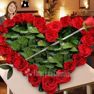 Me flechaste, corazon de rosas: http://www.floresparacolombia.com/producto_info.php?products_id=455&inicio=116