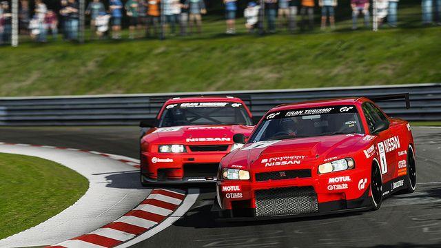 Nissan Skyline s battle
