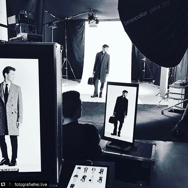 Thank you for sharing this cool BTS with us @fotografiefrei.live!! ____________________ Repost @fotografiefrei.live: BOSS LivingModels Lookbook #weloveourjob #livingmodels #fashion #fw17 #lookbook #boss #hugoboss #famousbtsmag #bts #film #arri #fashionshoot #man #animation #gif #eizo #fallwinter #fallwinter2017 Added by us: #behindthescenes #backstage #studio #model #fashionphotography #broncolor #famousbtsmagazine