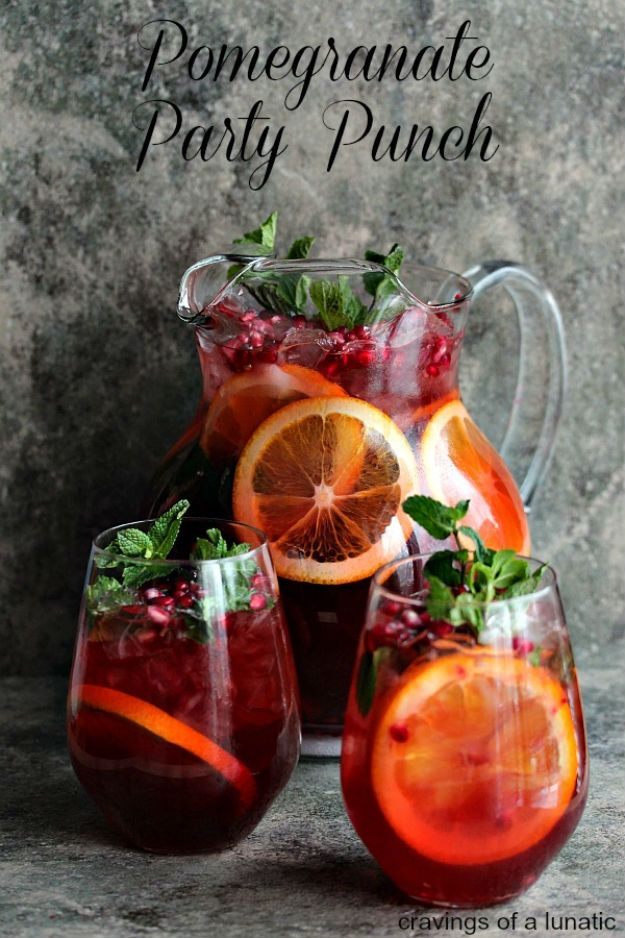 Cocktail Recipes!Pomegranate Punch | http://diyready.com/20-boozy-drinks-to-start-the-year-best-alcoholic-drinks/