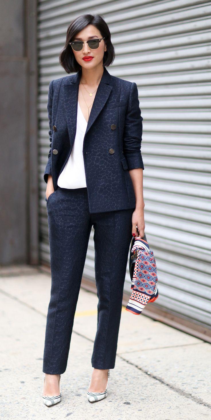 Nicole Warne Nyfw Spring 2015 Street Style Navy Blazer