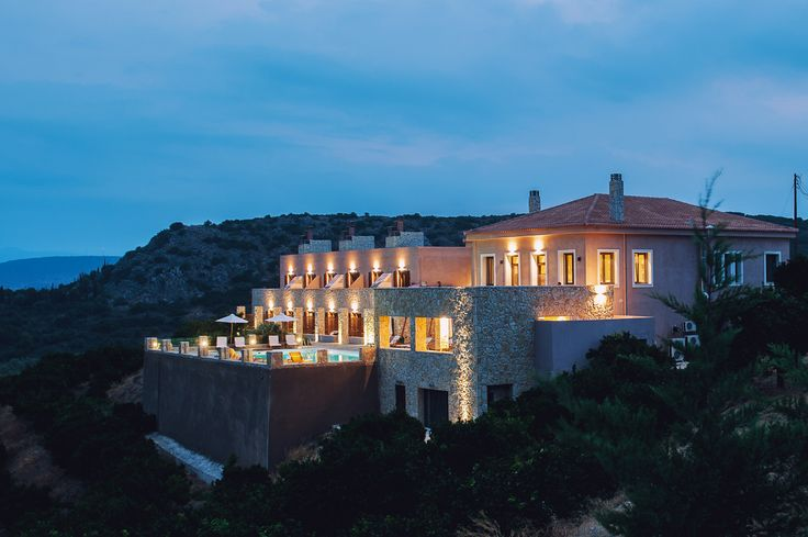 Live idyllic luxury holidays at #PerivoliHotel in #Nafplio. http://www.tresorhotels.com/en/hotels/72/perivoli-hotel