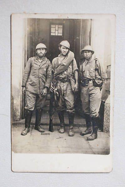 O soldado José Fabio da Rocha Frota em serviço (ao centro), logo após a rendição ao governo federal. Arquivo particular Família Rocha Frota.