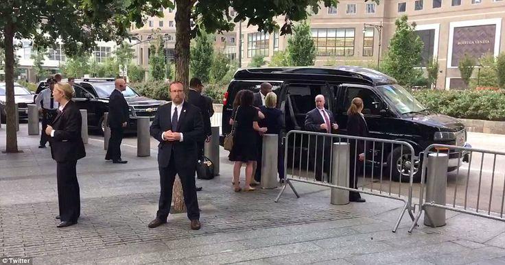 AMYNA News and Views: EKTAKTO: Σοβαρά άρρωστη η Χ.Κλίντον – «Κατέρρευσε»...