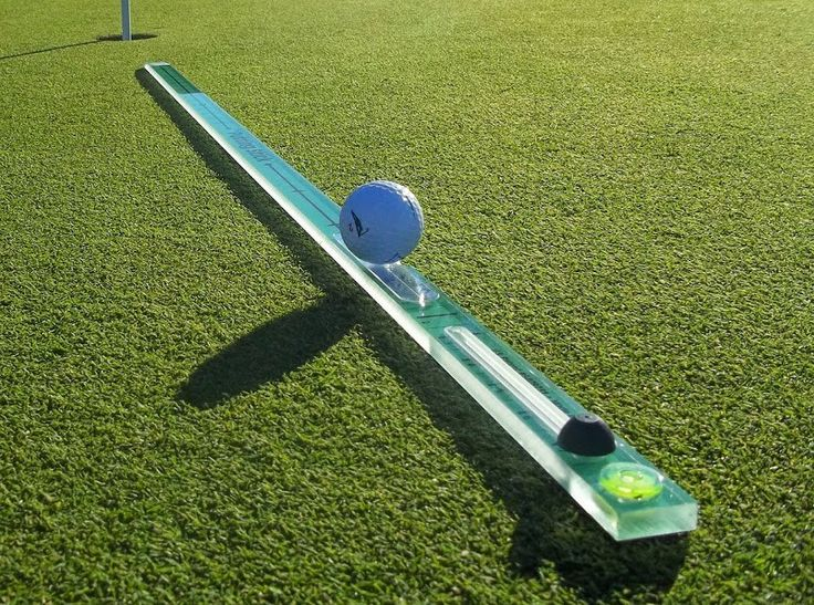 TPKGolf @TPKGolf   Don't let seasonal dusk spoil practice.  Use the #PuttingStick indoors anytime. Great practice tool! http://ow.ly/Q8ZC3057YiG