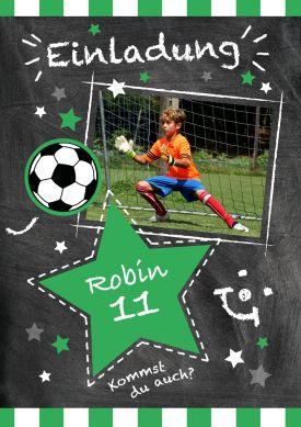 Trendy Einladungskarte für kleine Kicker zum 11. Geburtstag mit Fußball und Foto vom Geburtstagskind