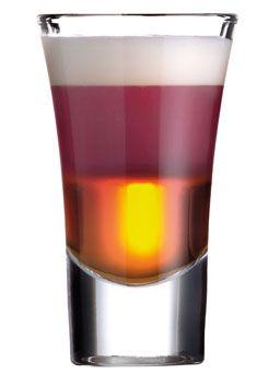 Berry Splash   Vana Tallinn -likööri 40% 2cl mustikka– tai vadelmakiisseli 2cl kermavaahto (sokeriton) 2cl