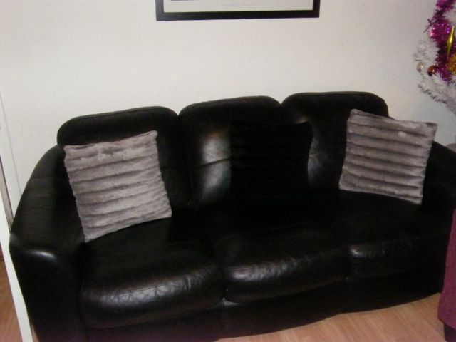 Black Leather Suite On Gumtree Selling A Three Two From