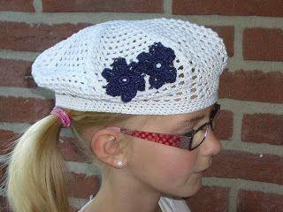 Hier is het patroon voor de witte gehaakte baret.  Het patroon mag vrij gebruikt worden, ik zou het wel leuk vinden als je even een berichtj...