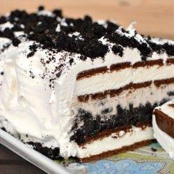 Easy Oreo Ice Cream Cake! No matter the season, there's always room for ice cream cake!