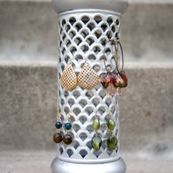 A little bit of spray paint can go a long way! Check out these before and afters of secondhand finds transformed into lovely jewelry holders