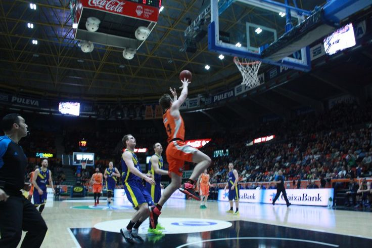 Amarga victoria del Valencia Basket frente al Ewe Baskets Oldenburg