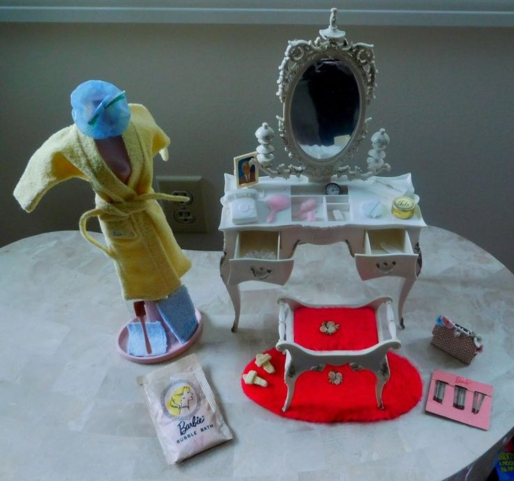 Vintage Barbie Susy Goose Vanity, Clothing And Accessory Lot #Mattel #Accessories