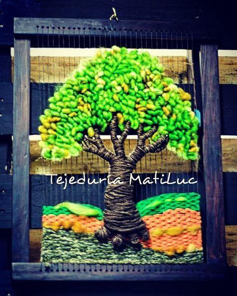 #árboldelavida en #telar con #lana natural y #vellón de #latejeduria ...Lo puedes encontrar en la nueva tienda de @teteria_teespero ... visitamos encontrarás muchas sorpresas #hechoamano #handmade #hechoenchile