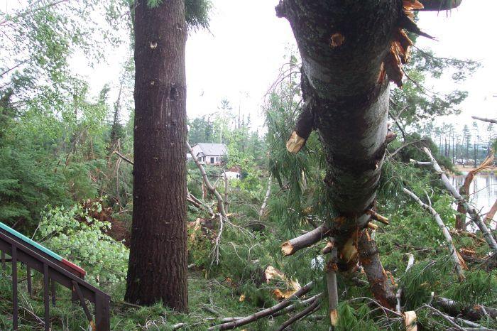 2006: Tornado in Comberbere, Ontario