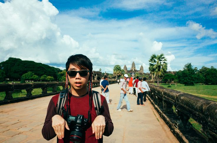 Tourist With Camera: Siem Reap - Gate to Angkor Watt