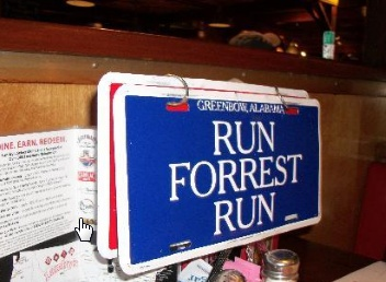 What I love about character restaurants is the way that the waiting staff get into the spirit with you. For example she kept quizzing us about our Forrest Gump knowledge though I don't think she expected such good fans of the show!  #bubbagump #internationaldrive #orlando #citywalk