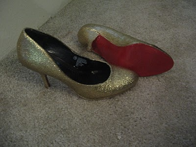 DIY Christian Louboutin glitter pumps! Tutorial by adventuresindressmaking: With a pair of Target heels on sale for $6, Mod Podge, glitter and red spray paint! #Shoes #DIY #Christian_Louboutin #adventuresindressmaking