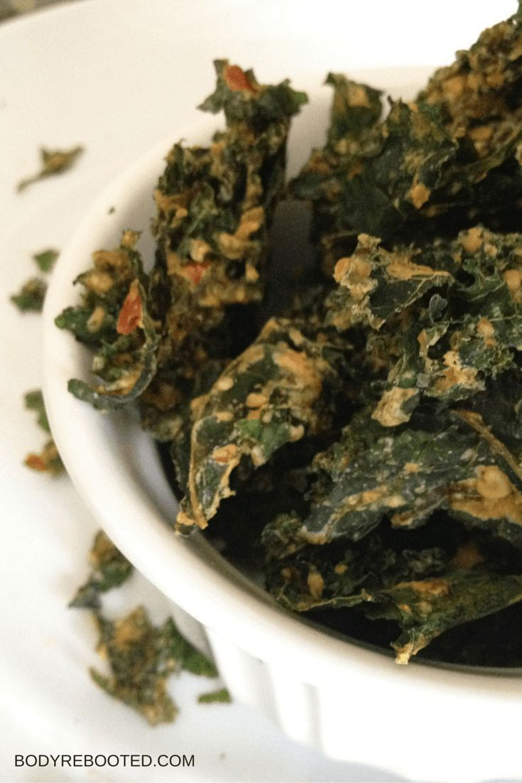 I could eat an entire pound of these garlic and cheese kale chips! #recipe #snack #glutenfree: